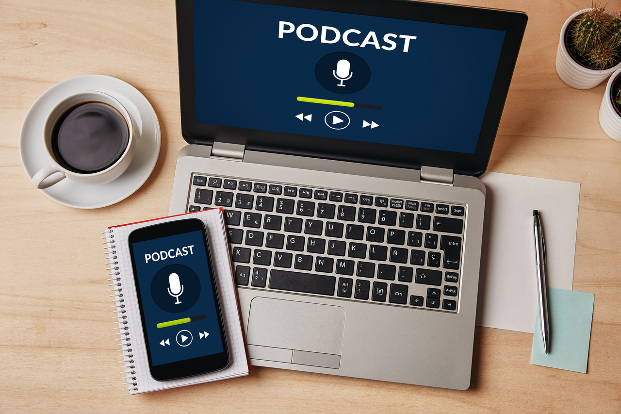 What is a Podcast, What is It For, and How Can You Listen On Mobile?
